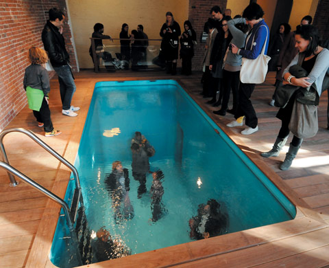 Leandro erlich swimming poolat p s 1 contempory art center museums